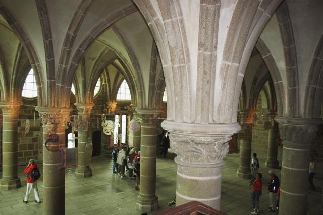 Рыцарский зал (XIII век).