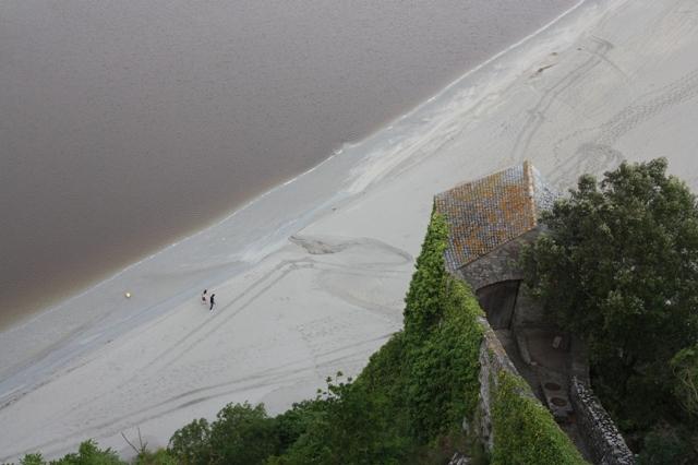 Вид с верхней террасы Мон-Сен-Мишеля