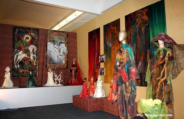 Часть экспозиции выставки Елены Пелевиной