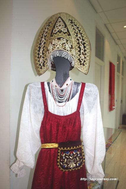 Фрагмент нижегородского женского праздничного костюма.