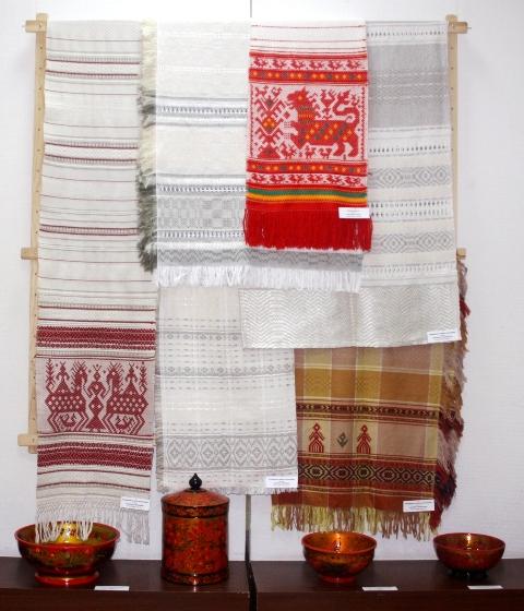 Полотенца ручного браного ткачества из Шахуньи.