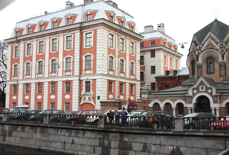 Санкт-Петербург, здание Высшей школы народных искусств (ВШНИ).