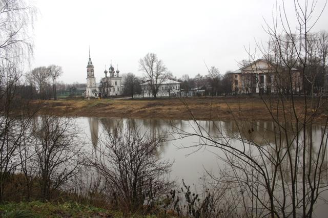 Река Вологда около Соборной площади.