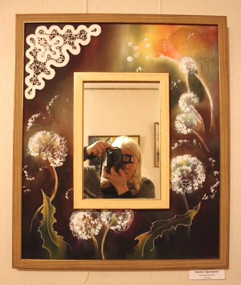 Роман Захаров, зеркало «Дуновение». 2013. Батик, натуральный шелк.