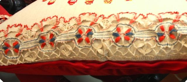 Клин. Музей П. И. Чайковского. Фрагмент диванной подушки. Коклюшечное кружево.