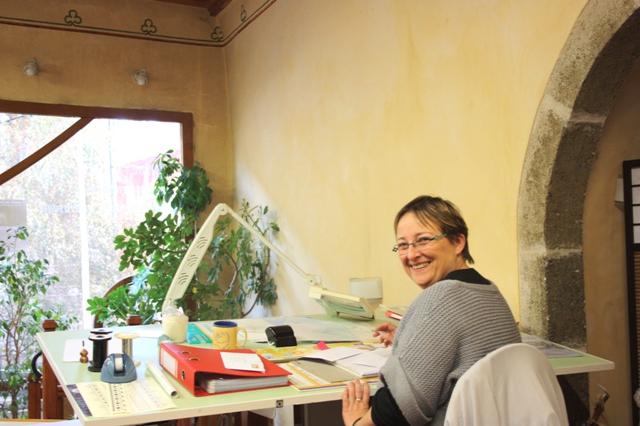 38/40, улица Рафаэля, Ле-Пюи-ан-Веле, Франция.  Центр обучения коклюшечному кружевоплетению. Преподаватель Натали Юбер (Nathalie Hubert).
