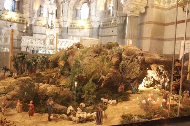 Лион. Базилика Нотр-Дам-де-Фурвьер. Крипта Святого Иосифа. Рождественский вертеп (10 м кв).