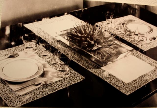 Сюзанна Пино. Комплект для сервировки стола. Коклюшечное кружево. (Pavillon des Artistes  Décorateurs). 1937.