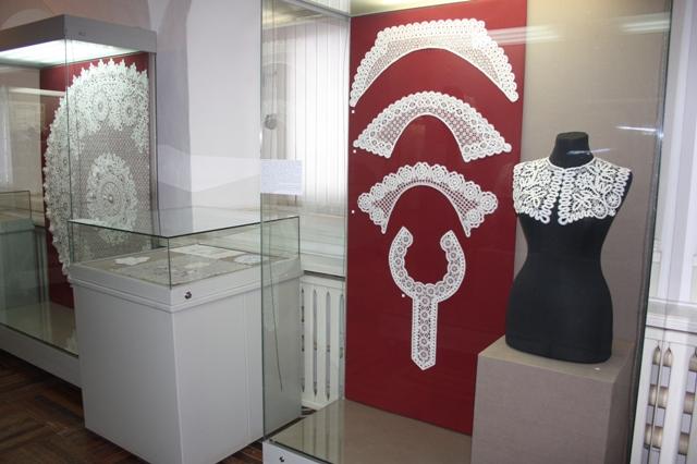 Рязань. Кремль. Выставка елецкого кружева «Это нежное снежное кружево».