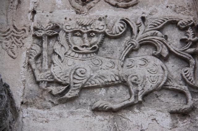 Юрьев-Польский. Георгиевский собор (XIII в.). Геральдический лев .