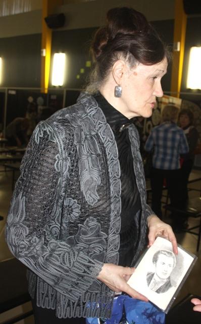 Жакет. Коклюшечное плетение. Автор и исполнитель Р. Е. Сенькова. Радужный, Владимирская обл.