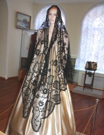 Шаль. Шелк. Многопарная техника плетения. Балахна. ,XIX в. «балахонский манер».
