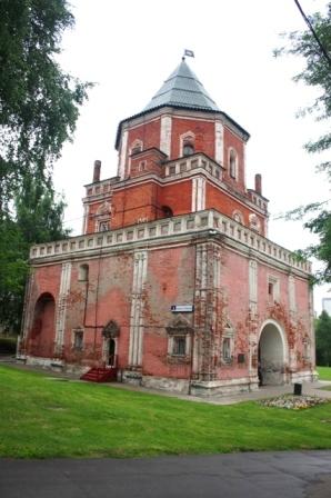 Ансамбль царской усадьбы «Измайлово». Мостовая башня. 1671-1679.