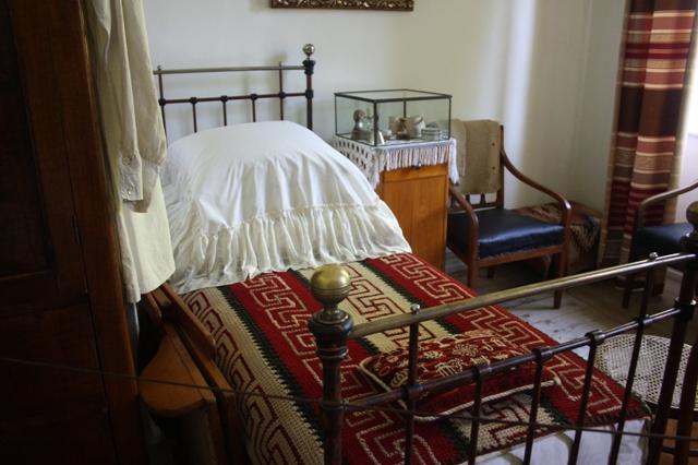Ясная Поляна. Музей Л. Н. Толстого. Спальня писателя.
