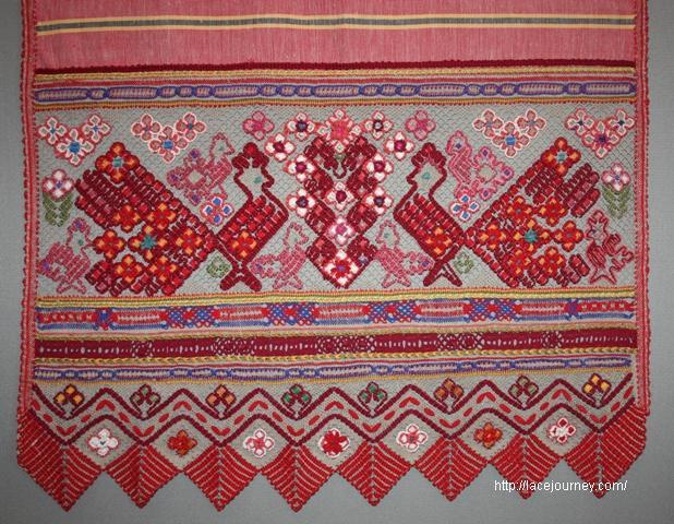 Д. А. Смирнова. Столешник «Сады цветут в Ижеславле». 1988 г.