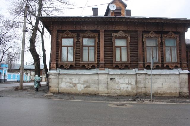 Елец. Дом находится на углу Профсоюзной и Ленина напротив Краеведческого музея.