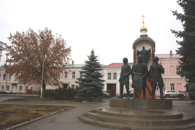 Елец. Памятник к 850-летию Ельца. 1996 г.