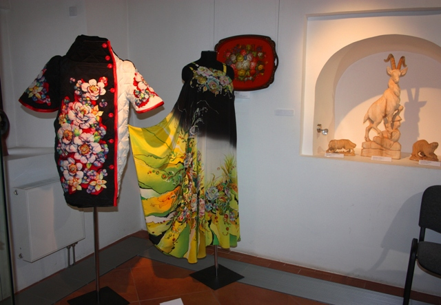 Выставка работ студентов ВШНИ в Вологде, 2015 г. Часть экспозиции.