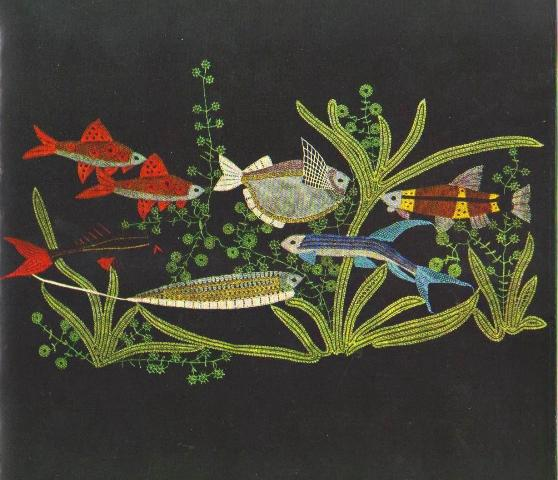 Елена Голециова. Панно «Аквариум». 1959 г. Коклюшечное плетение, многопарная техника. Цветные шёлковые нити. 31 х 62 см. Фото P. Janek.