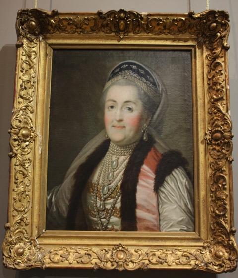 Портрет Екатерины II в шугае и кокошнике. Неизвестный художник. 1770-е годы. Холст, масло. МГОМЗ.