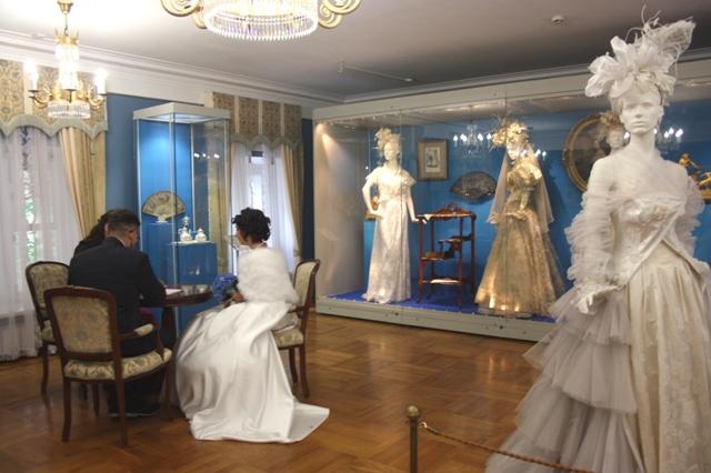 Люблино, дворец Н. А. Дурасова, выставка В. М. Зайцева