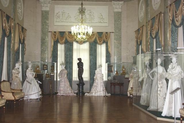 Люблино, дворец Н. А. Дурасова, выставка Вячеслава Зайцева «Прикосновение»