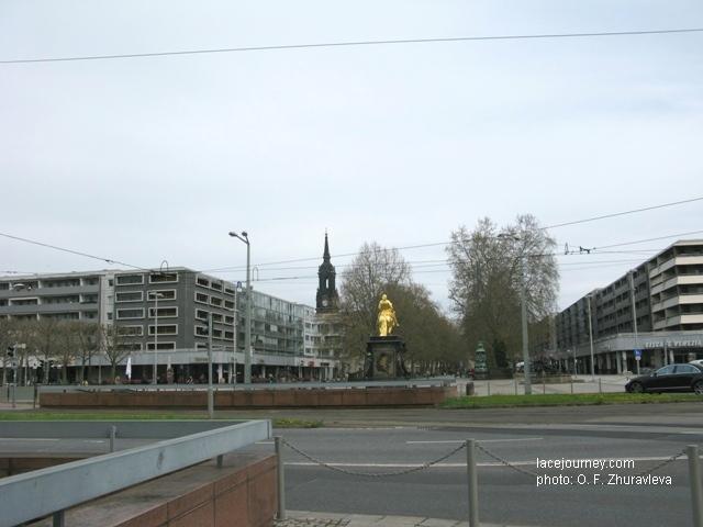 Дрезден. Памятник Августу Сильному в римских доспехах «Золотой всадник». 1735.