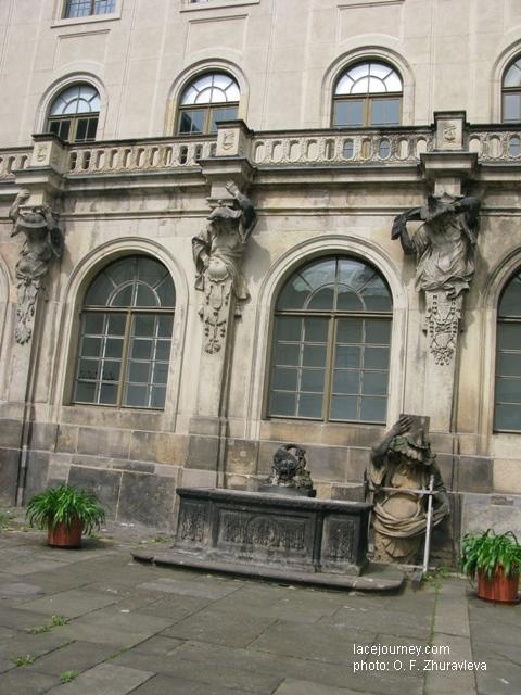 Дрезден. Японский дворец (фрагмент). Архитектор М. Д. Пёппельман.  1727 – 1737 г.