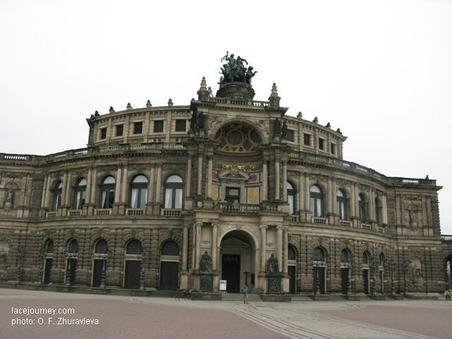 Дрезден. Здание оперы. Архитектор  Готфрид  Земпер,  1831 -1841 гг.