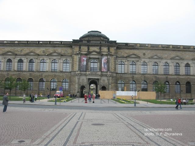 Дрезден. Галерея старых мастеров (Gemäldegaleie Alte Meister). Архитектор Г. Земпер.  1847 -1855 гг.
