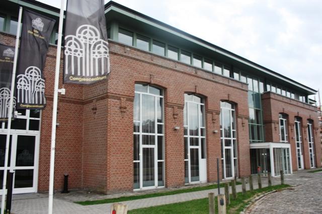 Брюгге. Зал конгрессов, расположенный на территории Госпиталя святого Иоанна.