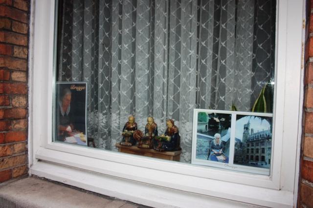 Брюгге. Окно, за которым проживает кружевница. 16 августа 2018 г.