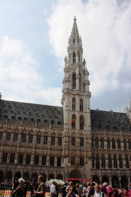 Брюссель, Гранд-Плас, здание Ратуши (Hôtel de Ville).