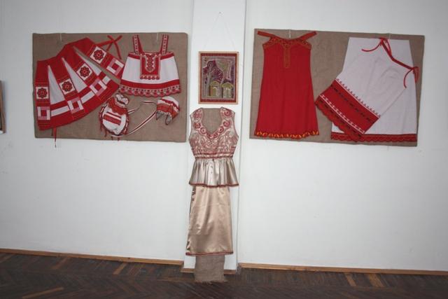 Работы студентов Тульского колледжа культуры и искусств. Руководитель О. А. Скворцова.