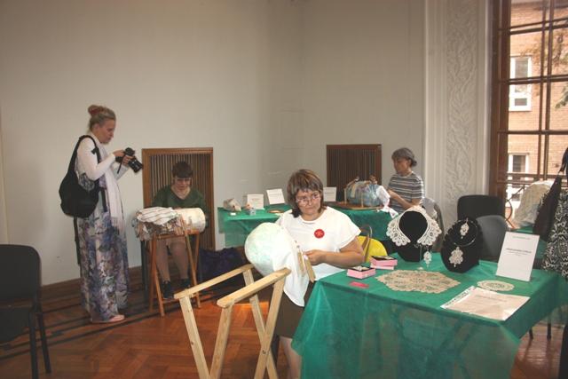 Елена Афанасьева (Москва). Сцепная техника плетения. Фото: О. Ф. Журавлева.