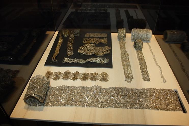 Кортрейк. Золотые позументы (XVI-XIX вв.) из коллекции Иосифа де Бетун (Joseth de Bethune),