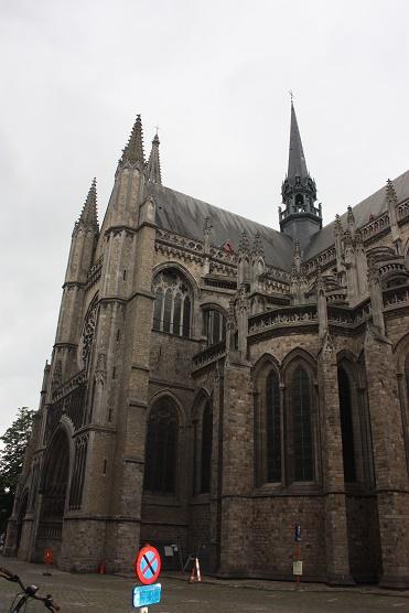 Ипр. Кафедральный собор Святого Мартина.