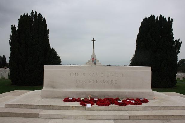 Ипр. Кладбище CWGC. Мемориальный памятник (Tyne Cot Memorial ) 20 августа 2018 года.